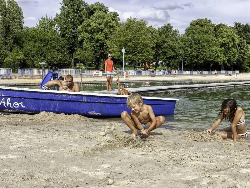 Staßfurt Schwimmbad strandsolbad 7 jpg