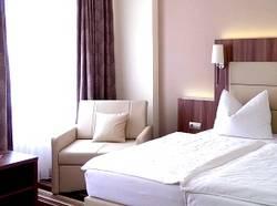 Bett [(c): Hotel Burgas]