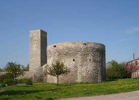 Station 15 - Rondell mit Wehrturm und Stadtmauer